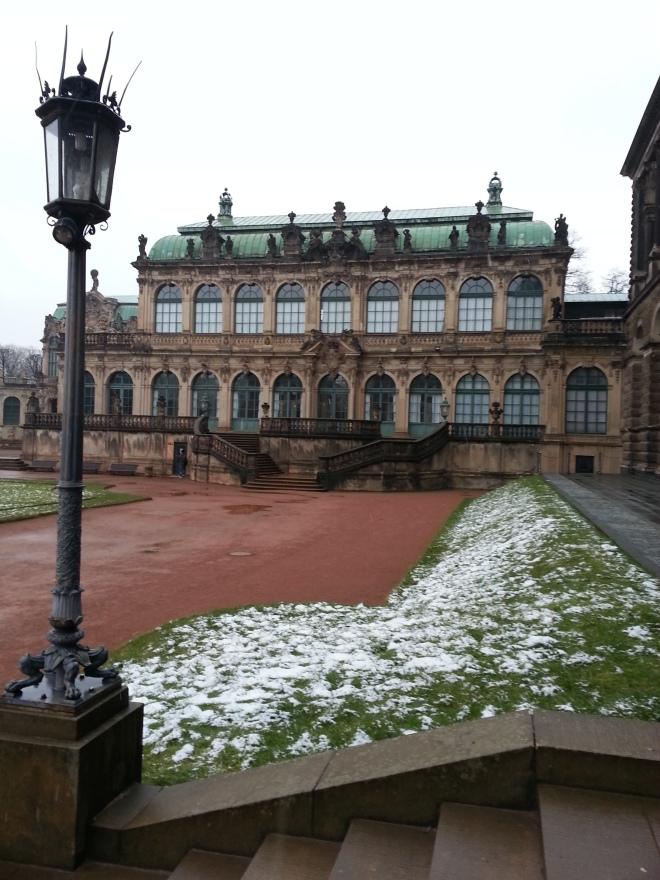 Swinger palace
